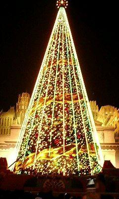 巨大クリスマスツリー8